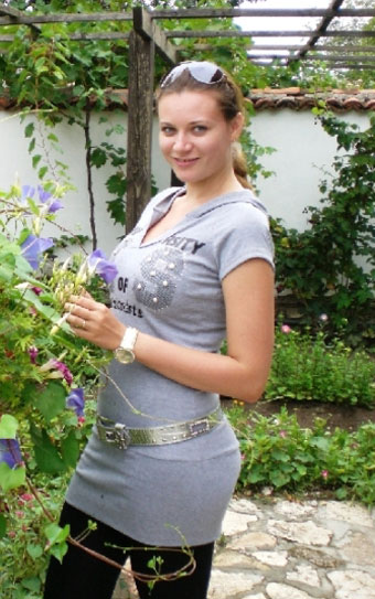Russian-brides.info - Free online personal ads