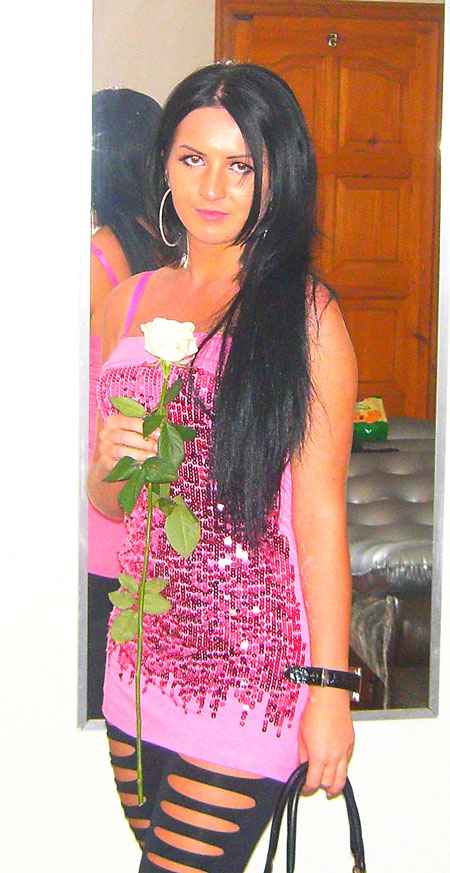 Looking for a love - Russian-brides.info